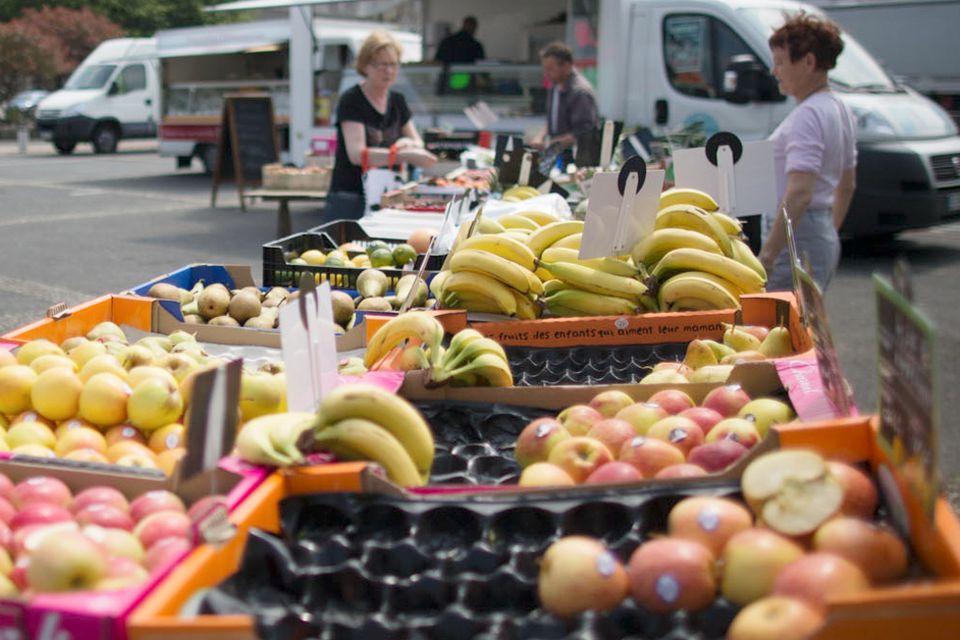 Étal du marchand de fruits et légumes